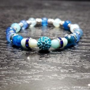 "Other - 🆕 NWT Dark blue-light blue bracelet  6 3/4"""